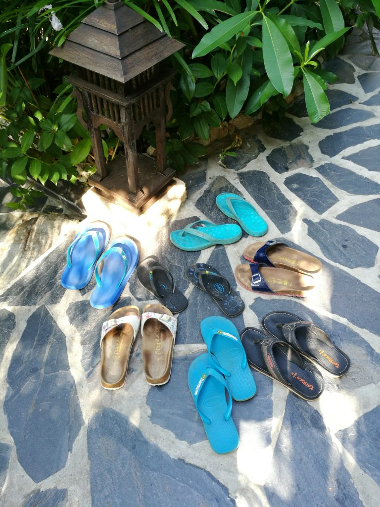Shoes off in Thailand