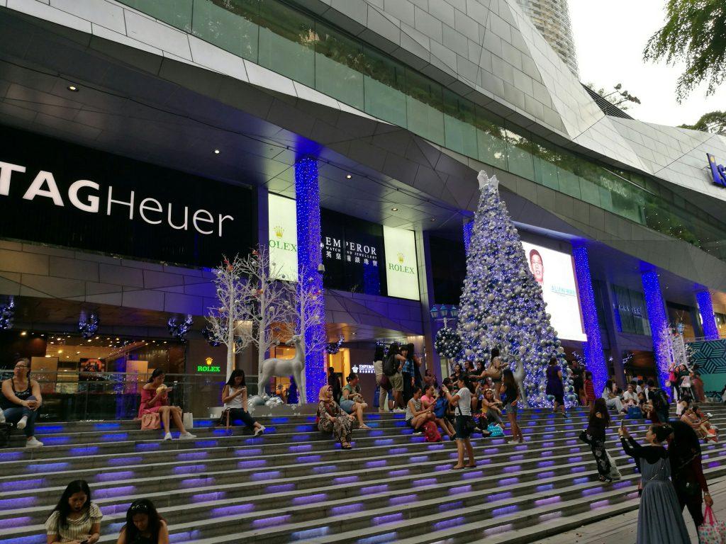 Glitzy Singapore Shopping