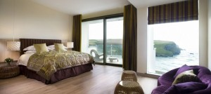 Scarlet Hotel room