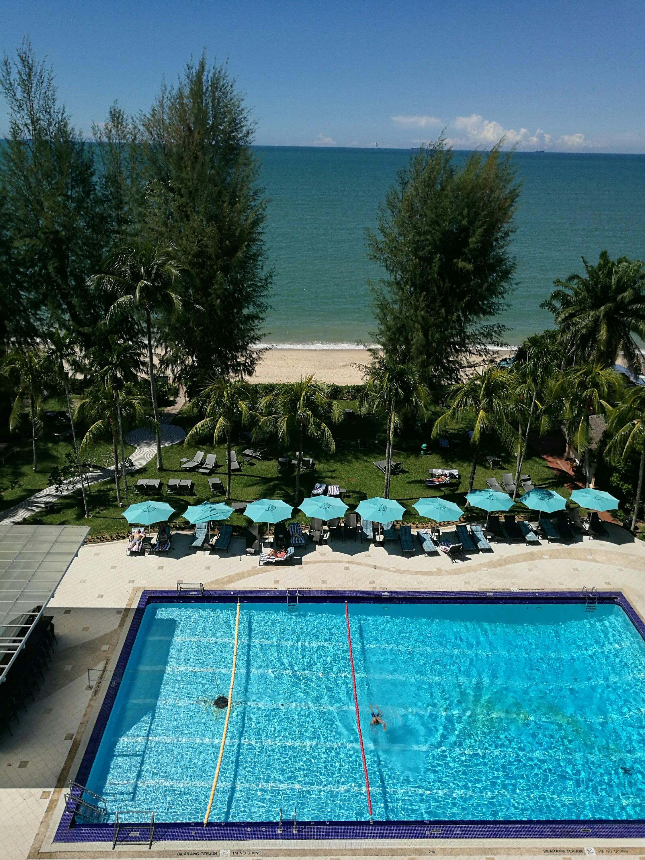 Holiday Inn Resort Penang pool